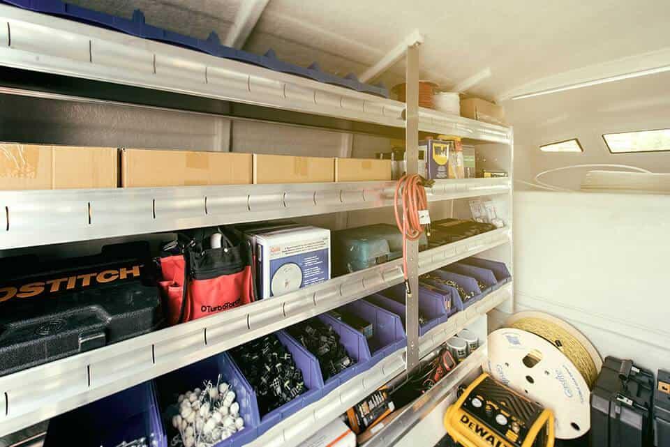 Commercial Truck Sales >> Spacekap : Commercial Diablo truck cap and service body
